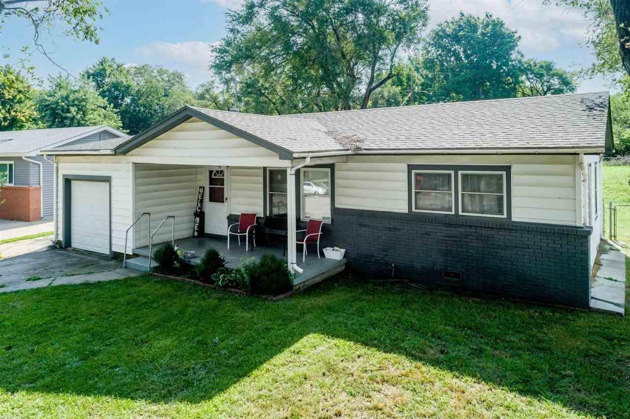 6420 N Randall Dr, Park City, KS, 67219-1646