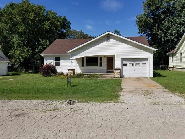 For Sale: 115 S Greenwood, Eureka KS