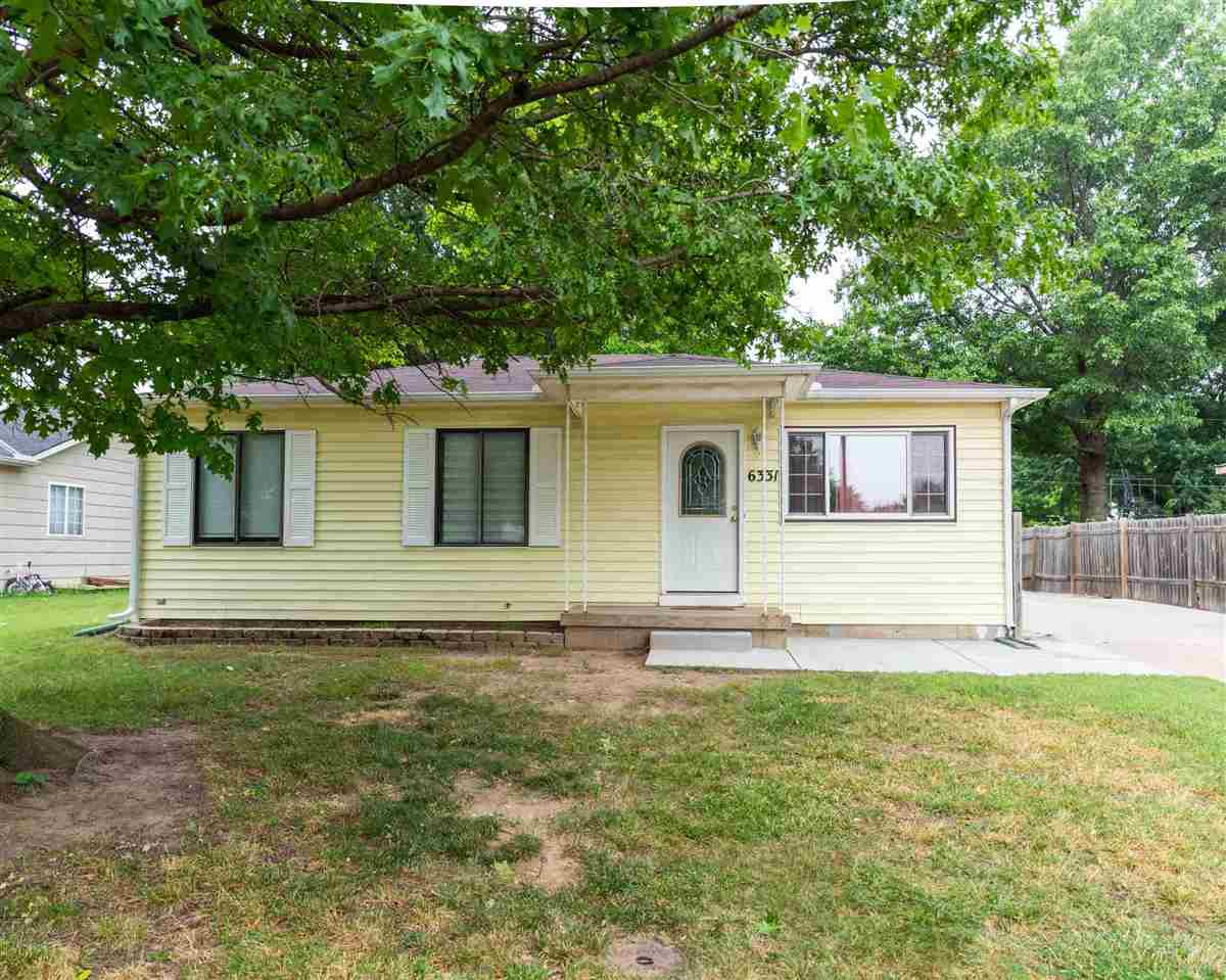 Charming three bedroom home in Park City! This home has it all, perfect for families! With and overs