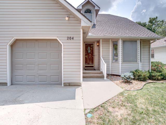 For Sale: 204 S Lincoln St, Hillsboro KS