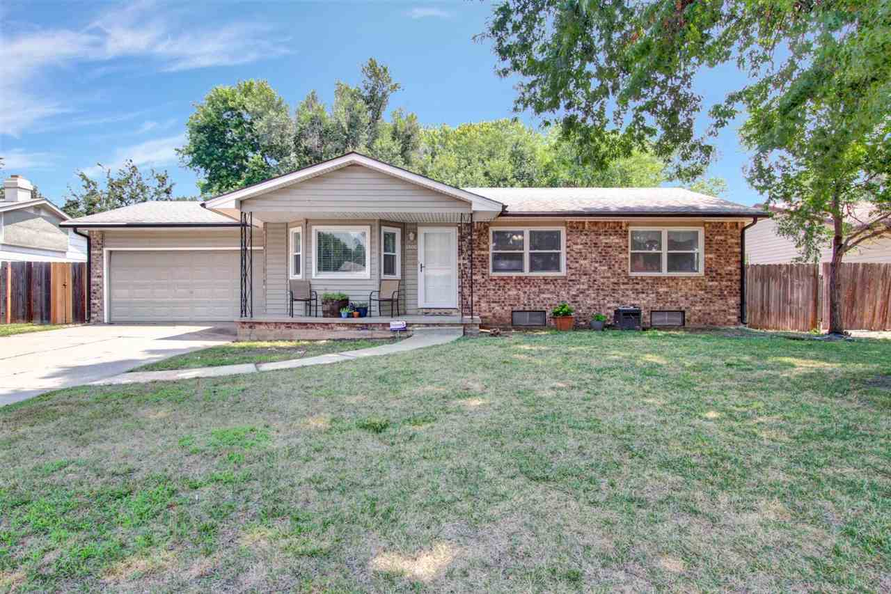 Great ranch home on the west side featuring 3 beds and 2 baths on the main level. Large eat-in kitch