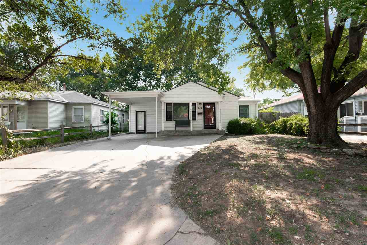 Cute as a button! This perfect starter home is located in southeast Wichita with easy access to Kell
