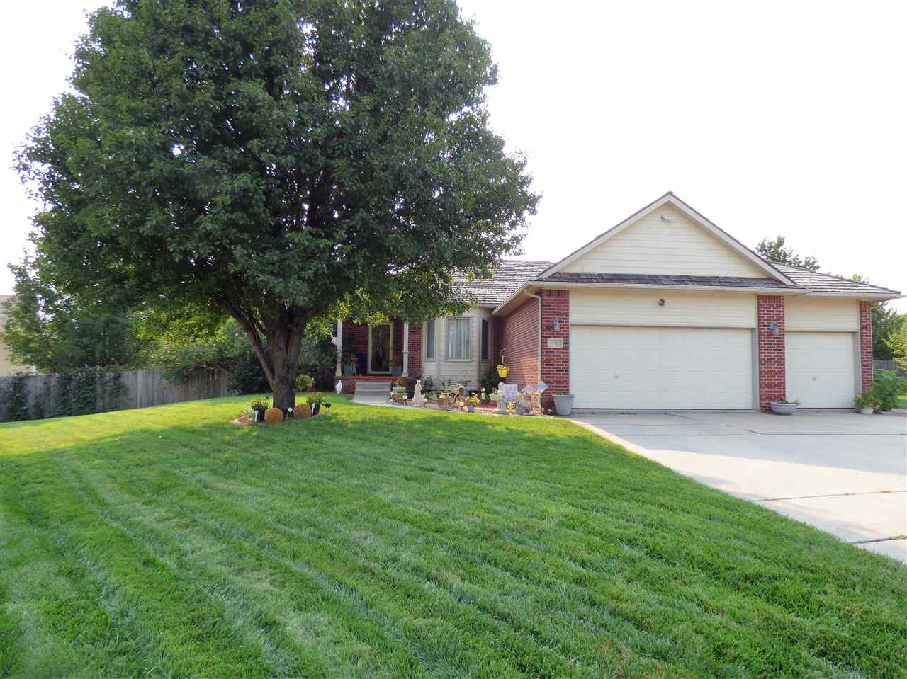 Welcome to your NEXT HOME! This beautiful, well maintained, 1-time owned 4 bdrm, 3 bath ranch is loc