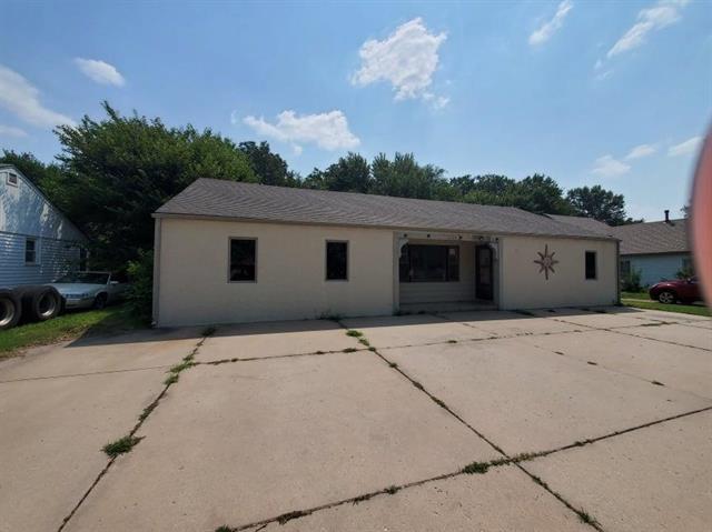 For Sale: 3226 N Amidon Ave, Wichita KS