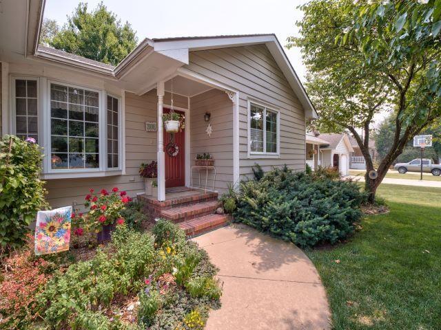 For Sale: 306 S Cedar St, Hillsboro KS