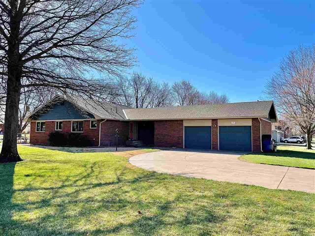 For Sale: 401 E NANCY ST, Clearwater KS