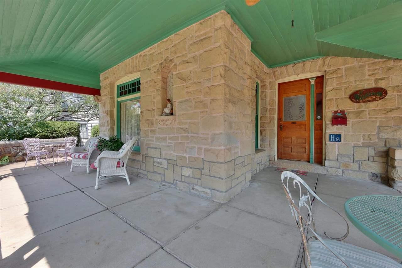 For Sale: 330 S CIRCLE DR, Wichita KS