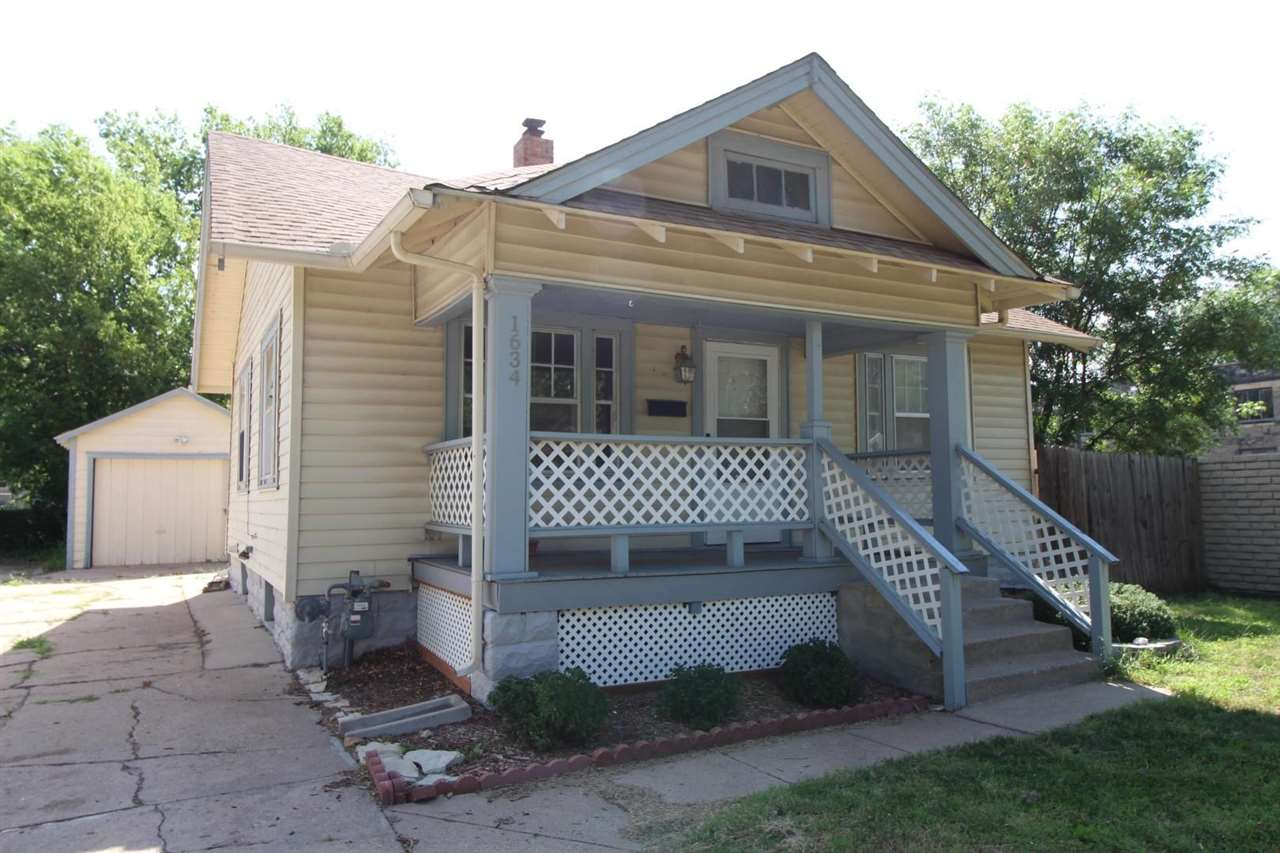 Riverside area. Updated 2 bed 1 bath and a garage. Beautiful hardwood floors. Large living room with lots of natural light. Enjoy your quiet neighborhood on your covered porch. This home is a must see!