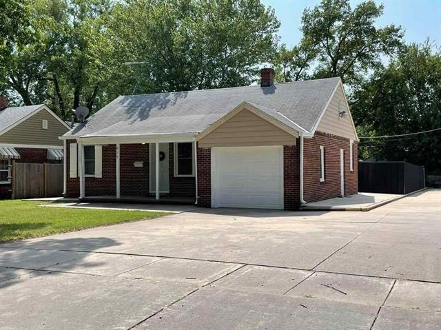 For Sale: 617 S Crestway St, Wichita KS