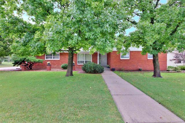 For Sale: 306  Willow Rd, Hillsboro KS