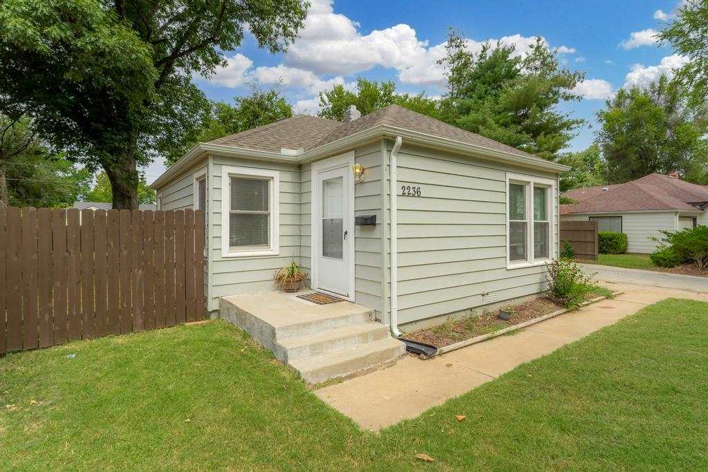 EAST WICHITA … TURN KEY ... NEWLY UPDATED!  BACK ON MARKET!! No fault of the seller. Original buyer