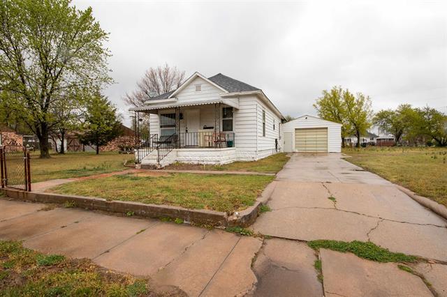 For Sale: 424 E Carpenter, Hutchinson KS