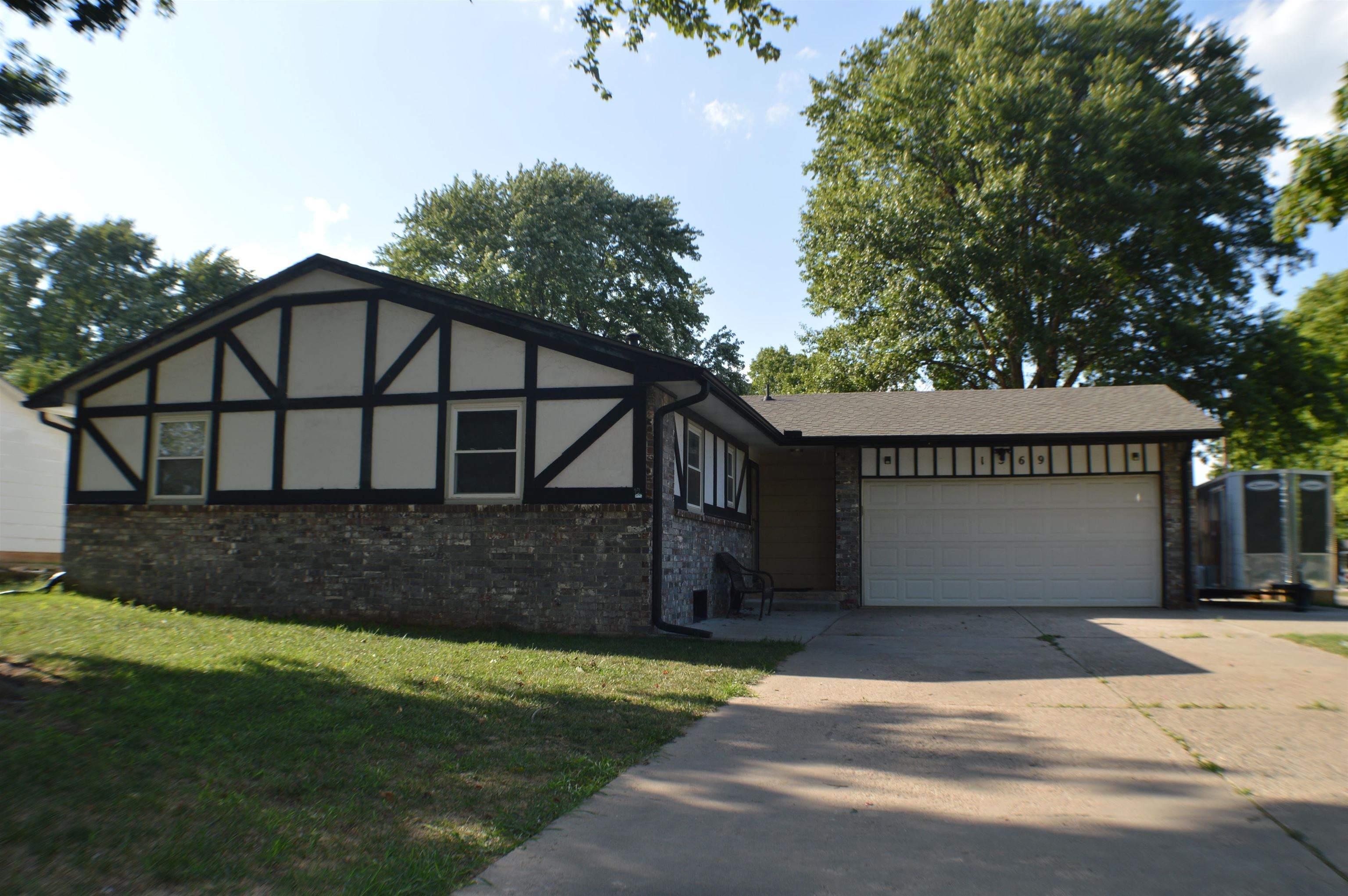 Backyard BBQ's & curb appeal!!!!  This 4 bedroom, 3 bath home on corner lot is perfect for entertain