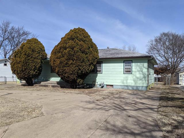 For Sale: 422 SE 8th, Newton KS