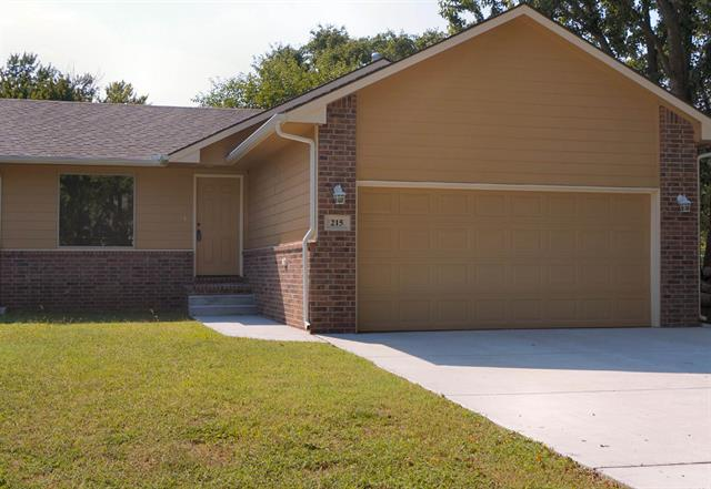 For Sale: 215 S Lee St, Clearwater KS