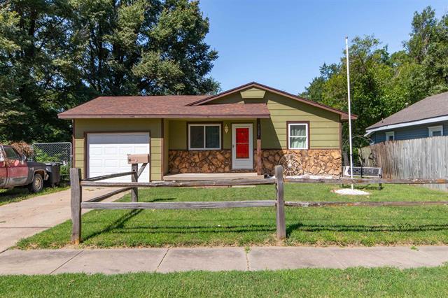 For Sale: 1127  Dearborn St, Augusta KS