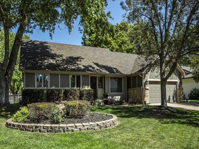 For Sale: 1454 N Valleyview Ct, Wichita KS