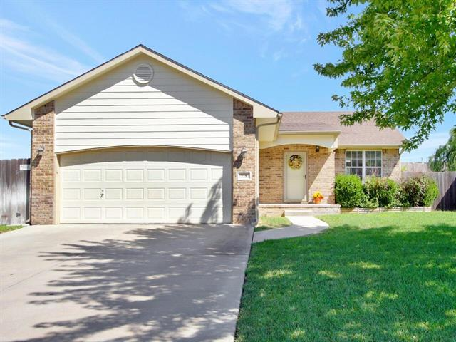 For Sale: 718 E Hedgewood St, Andover KS