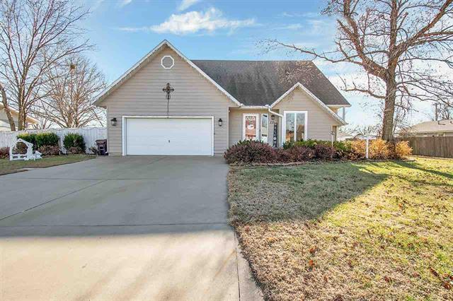 For Sale: 213  Walnut St, Moundridge KS