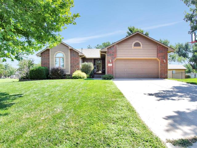 For Sale: 204  Cardinal Ct, Andale KS