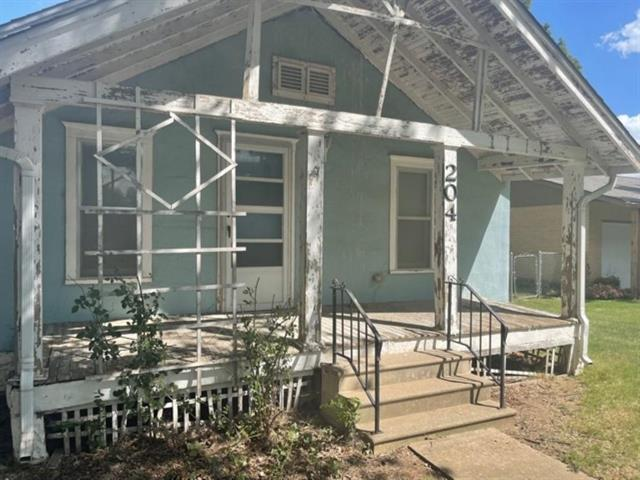For Sale: 204  1st Avenue, Clearwater KS