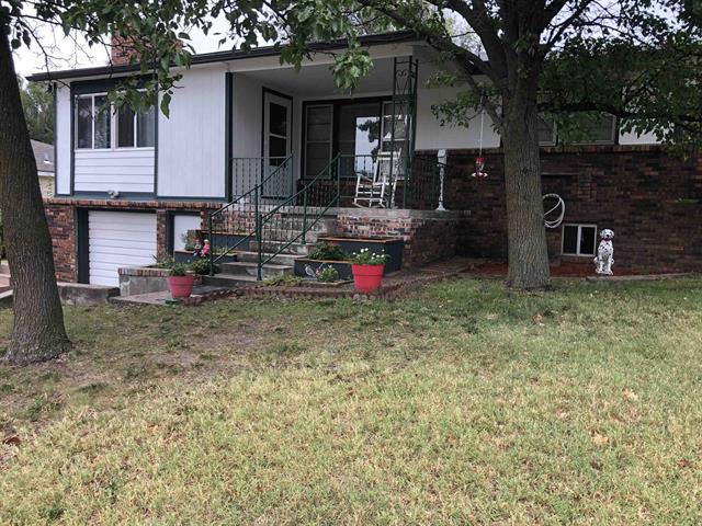 For Sale: 912  Fairfield, Newton KS