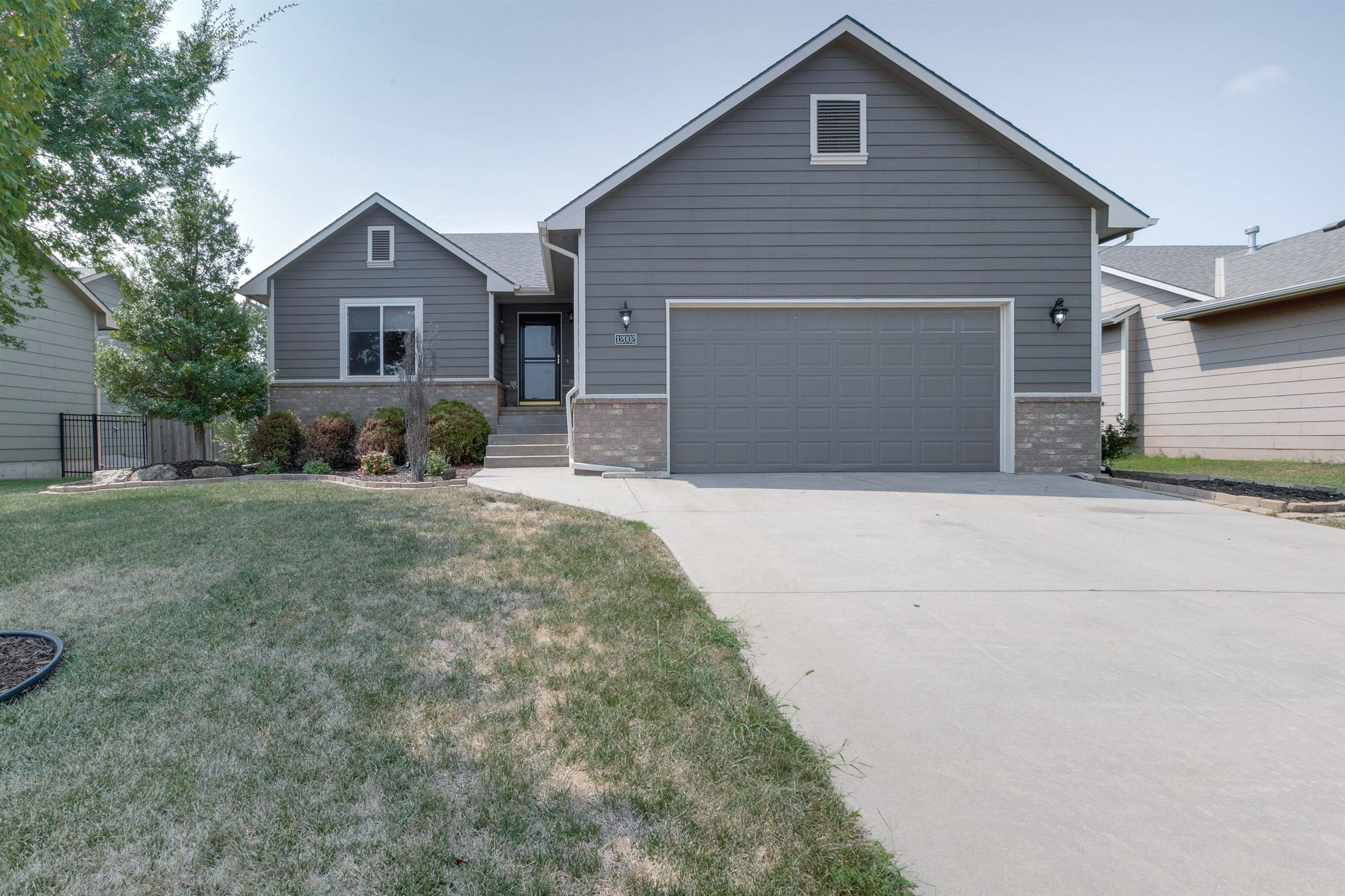 Come see this beautiful home today!  Arriving at this home, you'll enjoy the curb appeal of a wonder