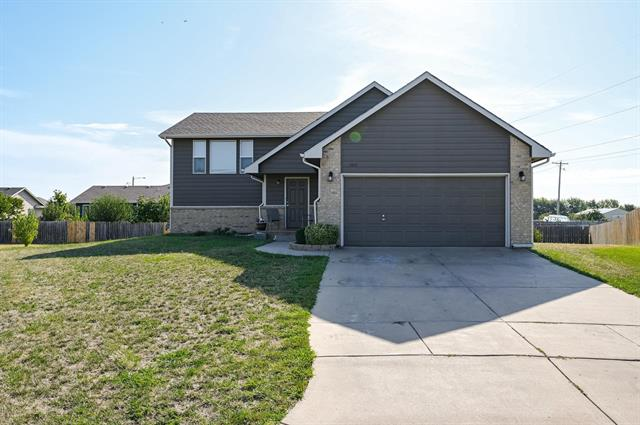 For Sale: 1851 W Lakeview Ct, Haysville KS