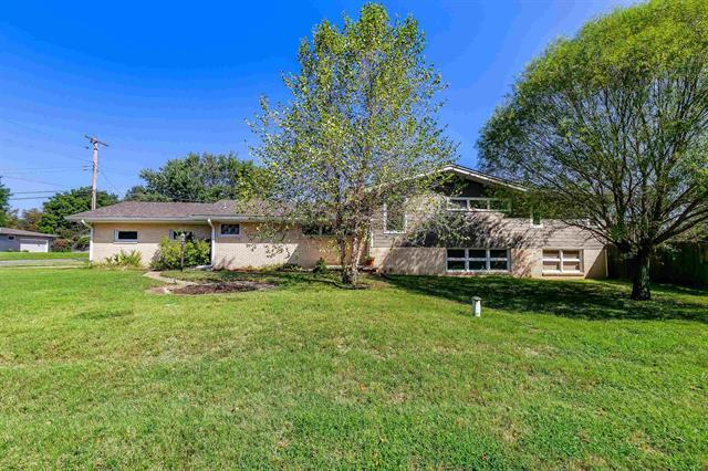 For Sale: 4 W Rolling Hills Dr, Wichita KS