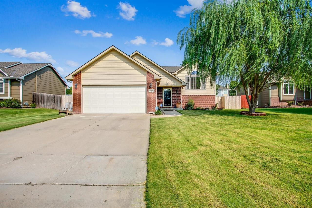 For Sale: 824  Carriage Rd, Maize KS