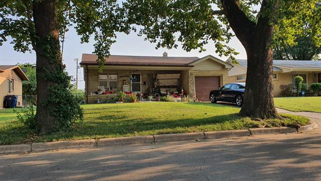 For Sale: 4033 E Countryside Plz, Wichita KS