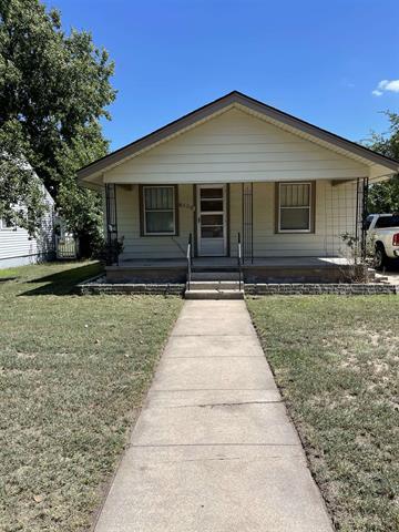 For Sale: 1902 N Monroe St, Hutchinson KS