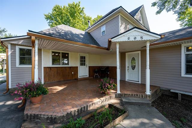 For Sale: 605 N Haven Road, Haven KS