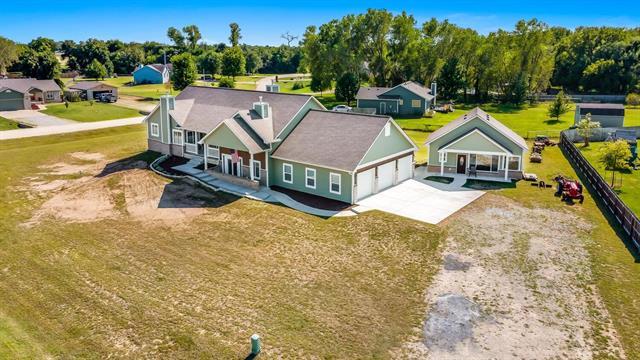 For Sale: 527 E Gordon Bennett Dr, Haysville KS