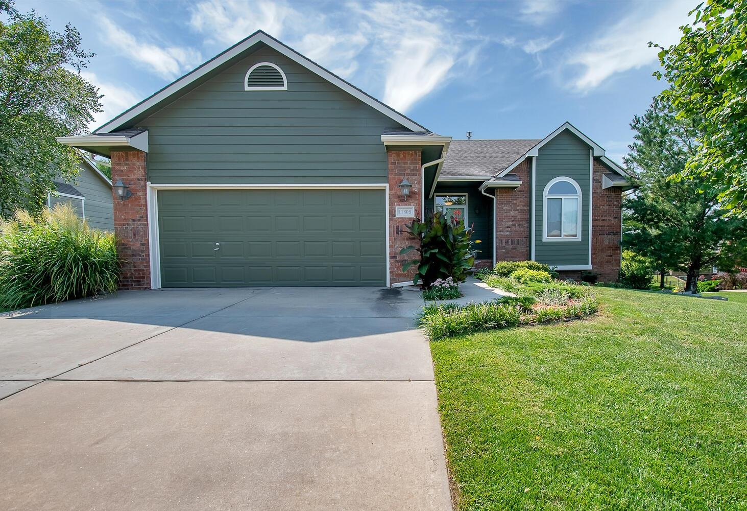 Beautiful custom built Ranch style home in the desired Preston Trails neighborhood.  Featuring a spl