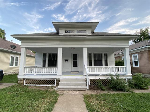 For Sale: 1011 E 13TH AVE, Winfield KS