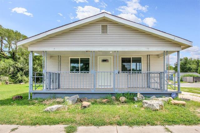For Sale: 1102 N Madison Ave, Wichita KS