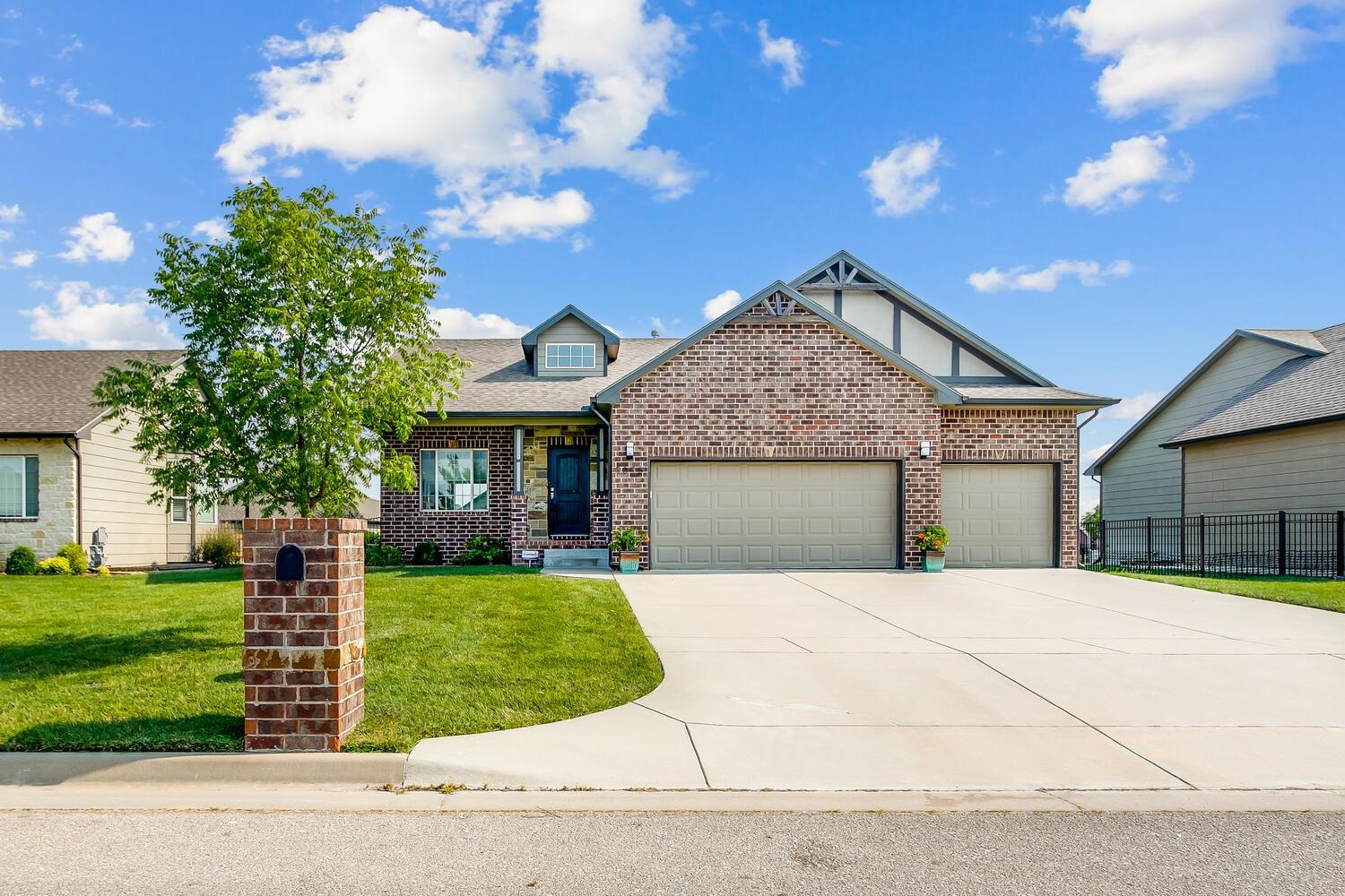 Beautiful home in Bel Aire. Open floor plan and vaulted ceilings.