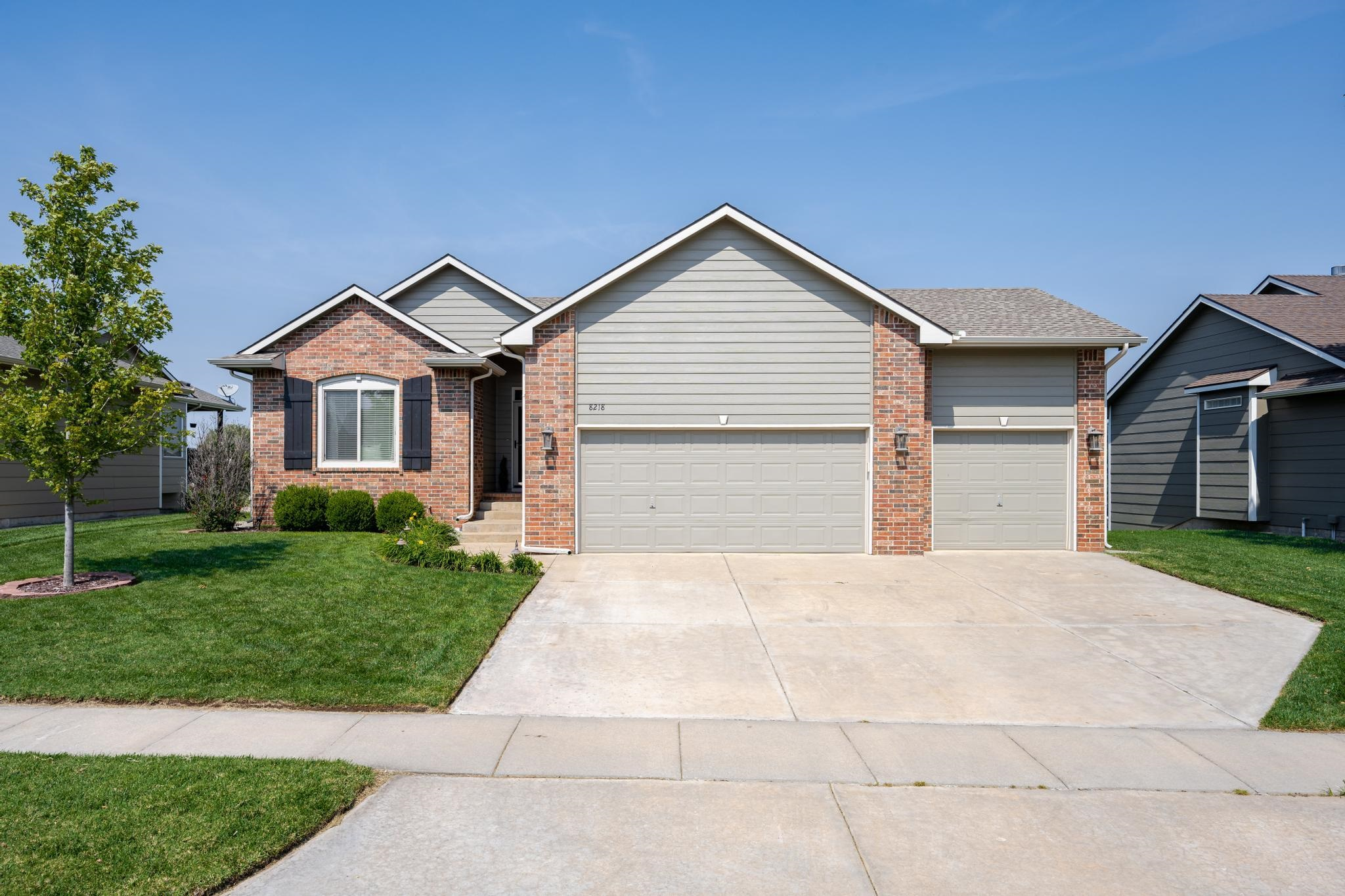 Have you been waiting for the perfect house to get into the Maize South School District? Well here y