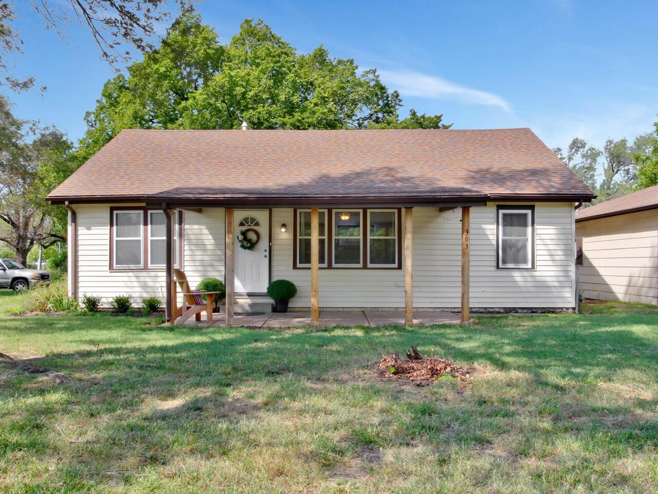 This home is adorably updated throughout, has a dream workshop, all sitting on over 1/2 acre.  Loads