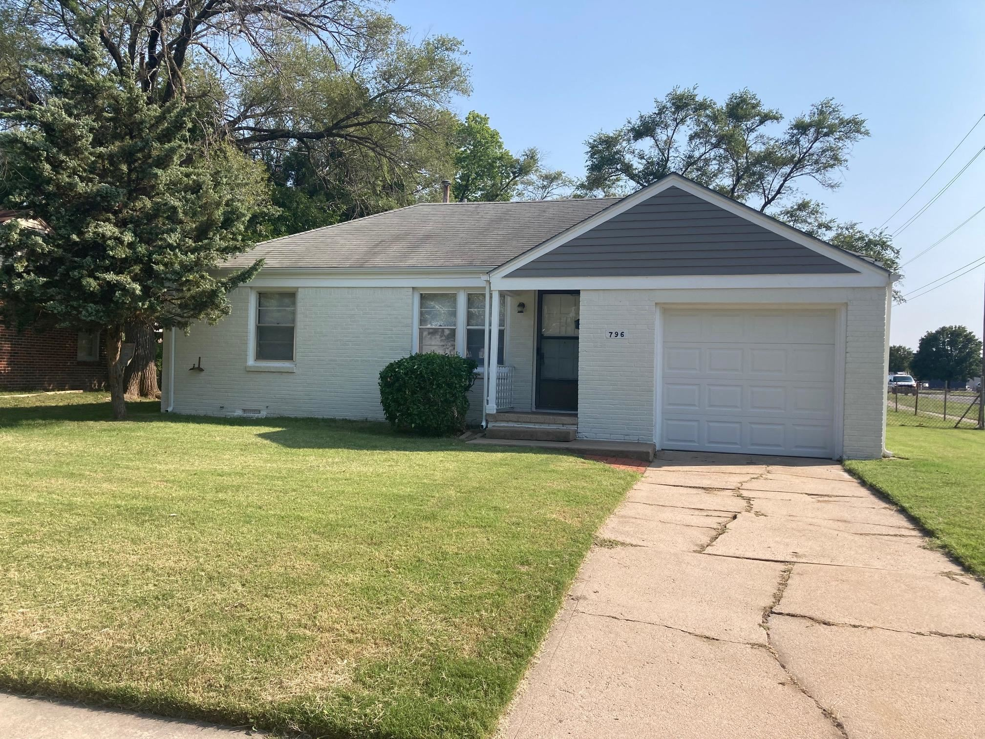 Nice updated 2 bedroom 1 bath home in East Wichita.  This home features a large living and adjoining