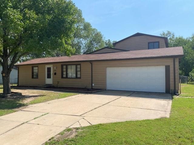 GREAT INVESTMENT OPPORTUNITY! Spacious 4BR 1BA, 1 1/2 story home with 2,084 sq ft of living space. F