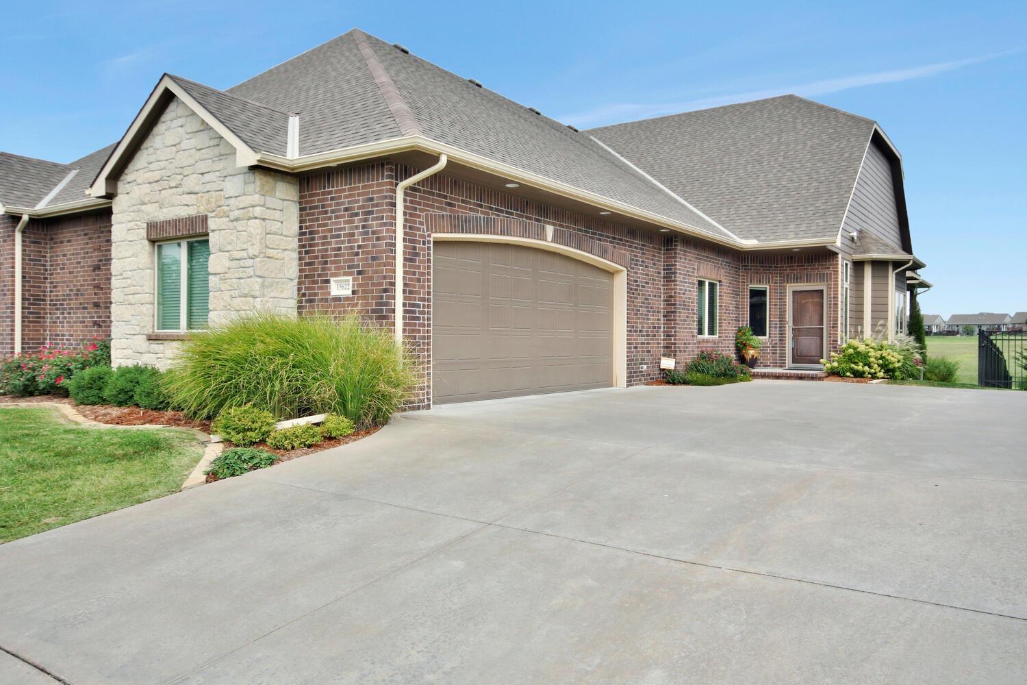 Welcome home! This move-in ready 3 BR, 3 BA Villa is perfectly situated, with an East-facing backyar