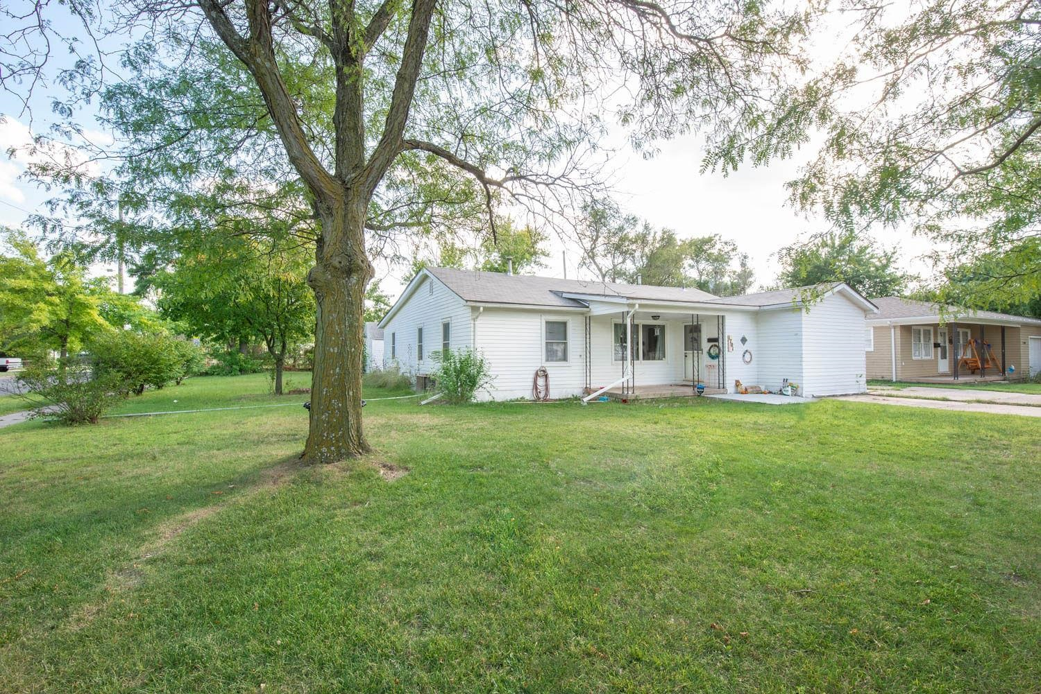 4 BEDS, 3 BATHS, & NEARLY 2,000 SQ FT IN AN UPDATED RANCH HOME!  THIS HOME SHOWCASES TONS OF SPACE &