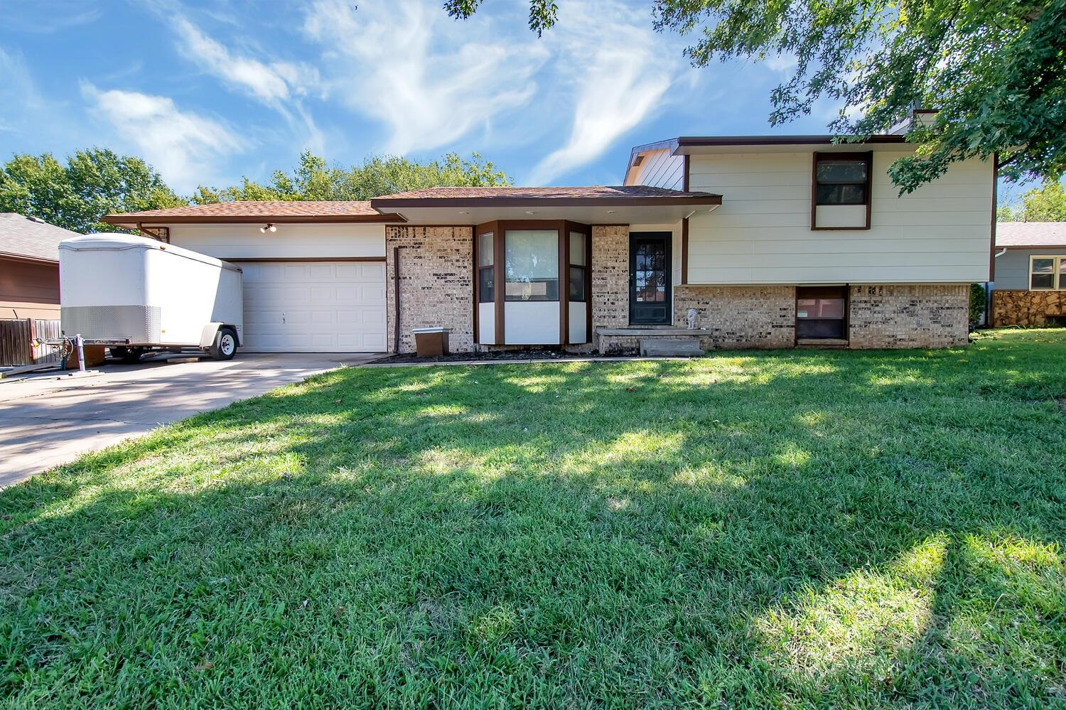 PRICE REDUCED, BUYERS ALLOWANCE, AND MOTIVATED SELLERS!!!  Quad level home features 2 bedrooms and 3