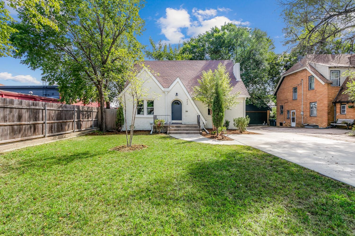 Beautifully remodeled College Hill home with all the things even the pickets buyers would want featu
