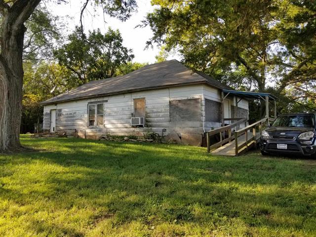 For Sale: 1059  State Highway 99, Eureka KS