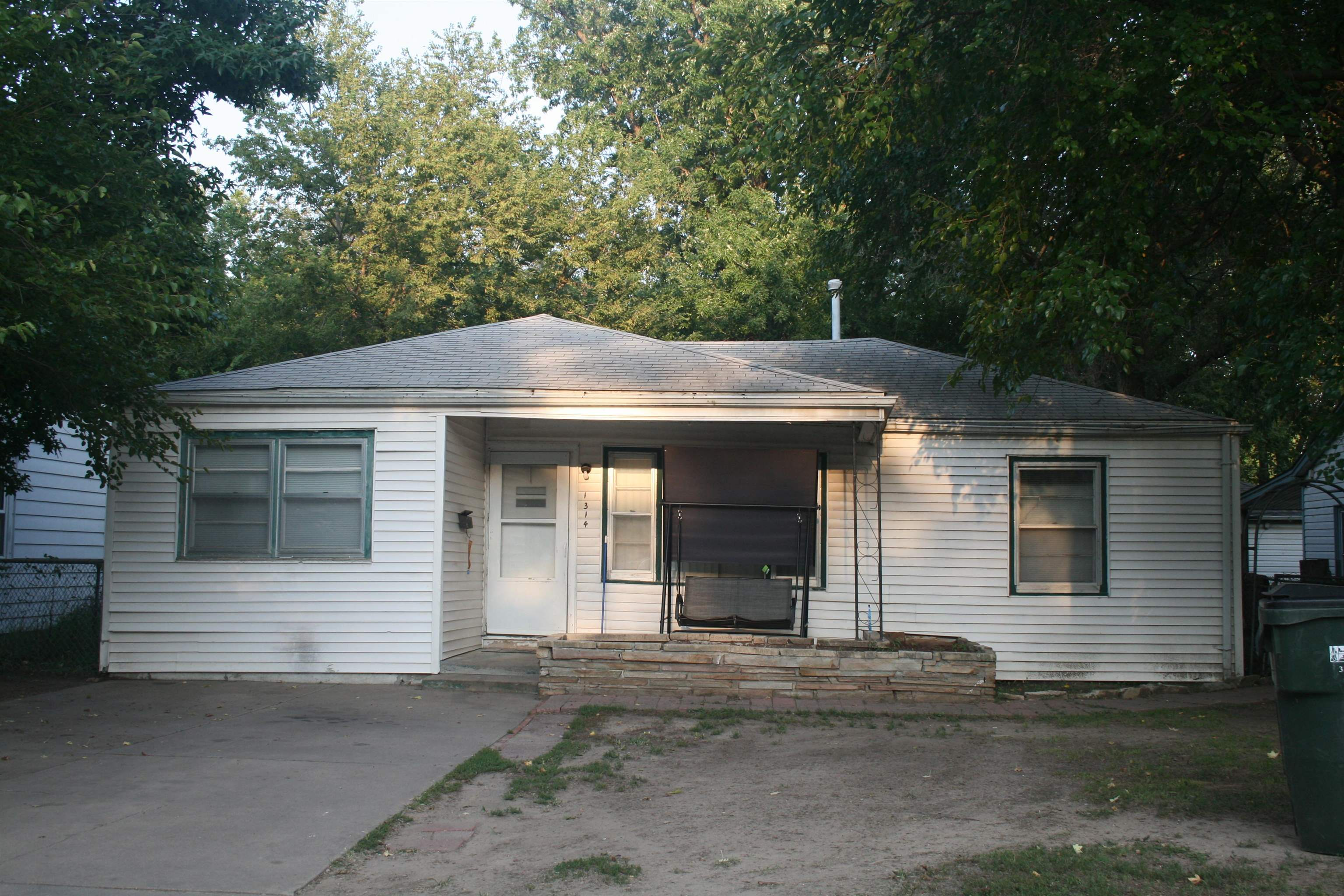 A nice spacious home, nice dining and an extra room for whatever your needs are.