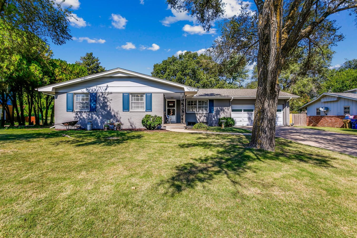 This one is a true charmer!!! Move in ready...3 bed, 1.5 bath ranch located in established Bel Aire