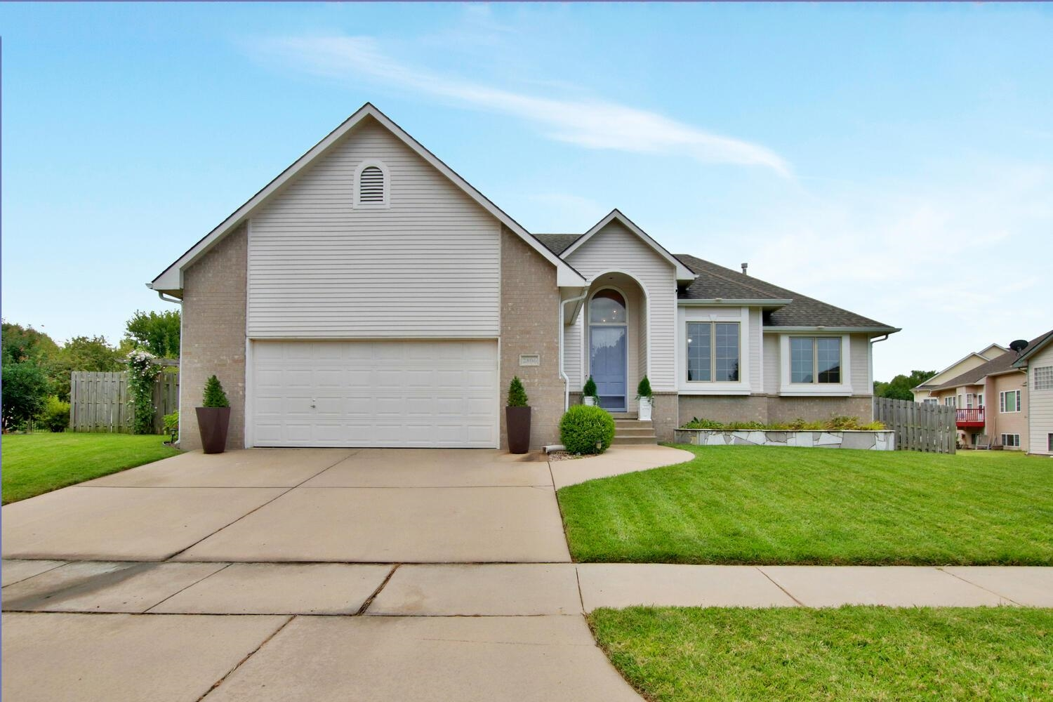 Nicely maintained and updated ranch on cul-de-sac lot in The Courts.  Three car tandem garage.  Spac